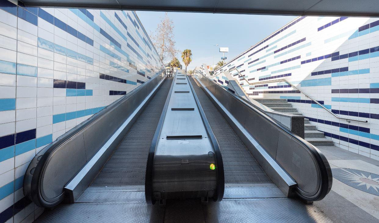 Antalya Tramvay Alt Geçidi Yürüyen Bant